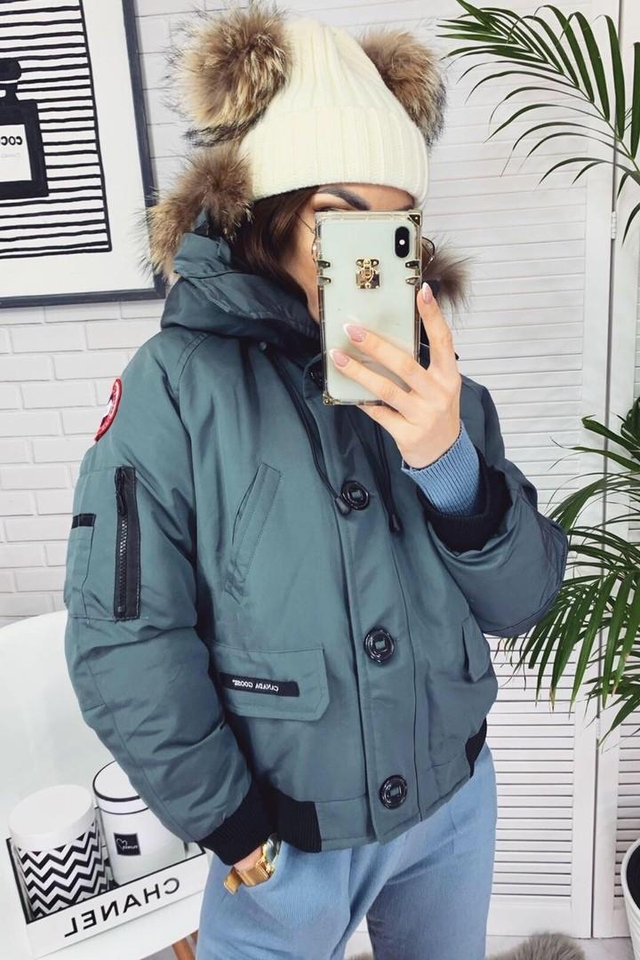 Короткая куртка с мехом на капюшоне YYAH-3234A950