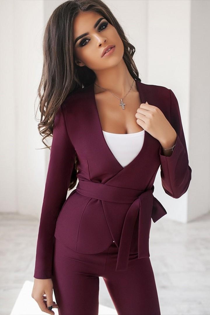 осенний женский костюм